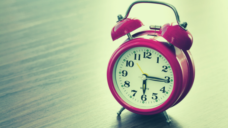 古い目覚まし時計